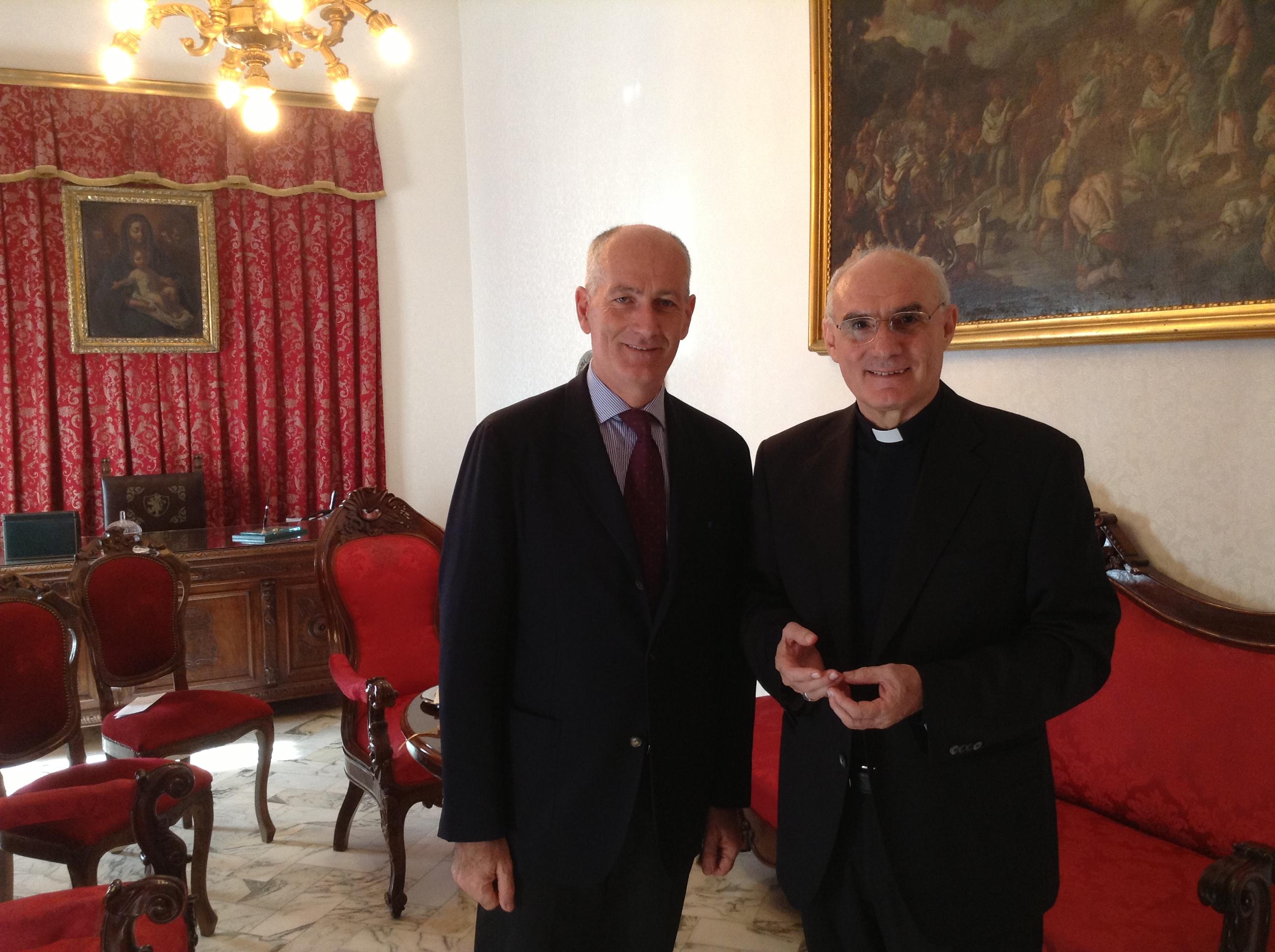 Prefetto Franco Gabrielli e il Vescovo Vincenzo Pelvi